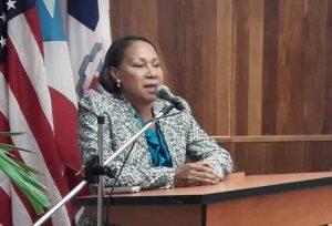 PUERTO RICO: Ve aumento emigración femenina crea problemas en la familia