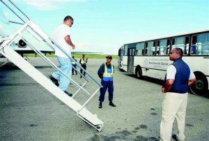 Llegan a la RD otros 72 deportados desde EU