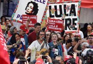 BRASIL:Miles marchan para reclamar la libertad de Lula da Silva