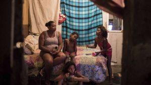Banco Mundial pide AL fortalecer redes de protección social ante crisis economía
