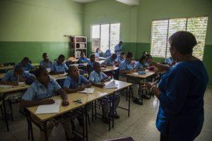 Afirman el 4 % del PIB no ha sido suficiente para mejorar educación