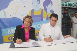 Alcaldía DN y Banco ADOPEM firman acuerdo beneficia comerciantes de mercados