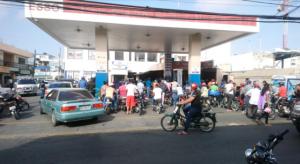 Anadegas paraliza estaciones venta de combustibles en la región Nordeste