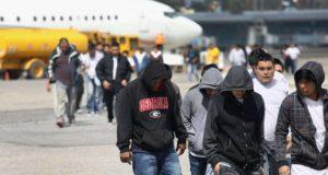 Repatrian 84 dominicanos cumplieron condenas en cárceles de los EE.UU.