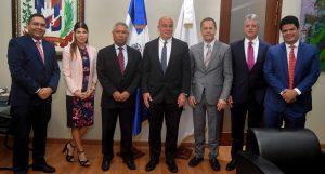 Ministro de Economía se reúne con comisión del CFI y del Banco Mundial