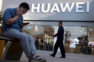 Telefónicas globales retiran teléfonos Huawei por medidas Estados Unidos