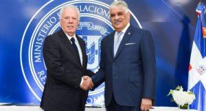 RD y España firman acuerdo capacitar personal diplomático dominicano