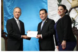 GUATEMALA: Leger presenta cartas credenciales como embajador RD