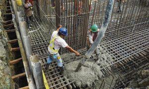 Constructores del Cibao denuncian alza de hasta un 43% en precio del cemento