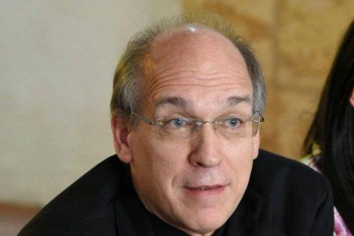 """SANTIAGO: El Obispo Masalles advierte que """"el pueblo está harto de la política"""""""