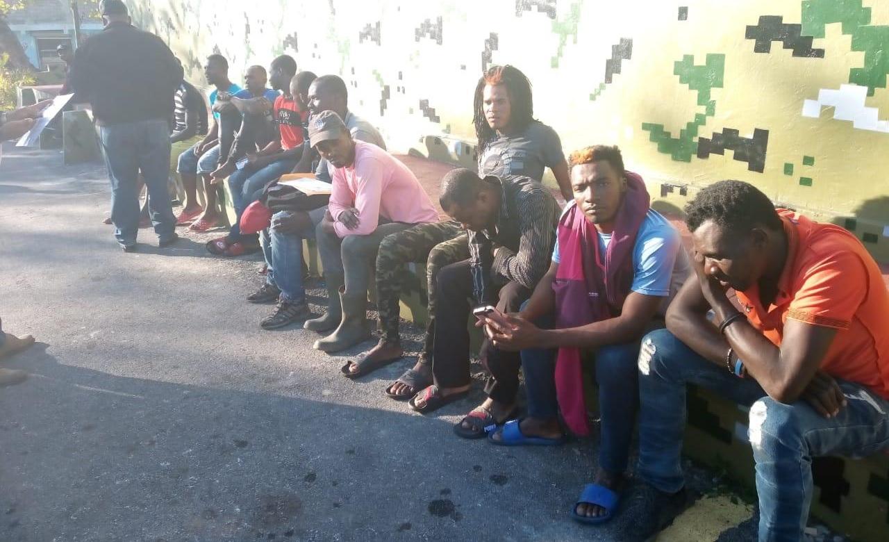Migración deportó a mil 200 haitianos que detuvo en distintas zonas de la R. Dom.