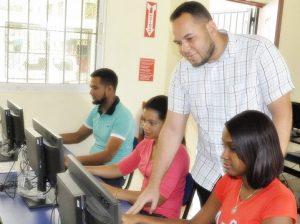 Instituto P. Loyola e INDOTEL ofrecen gratis cursos de informática