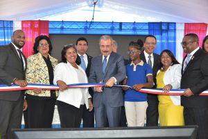 Presidente Danilo Medina entrega escuela jornada extendida en Villa Mella
