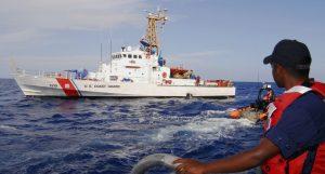 Guardia Costera de EEUU intercepta embarcación con 17 dominicanos