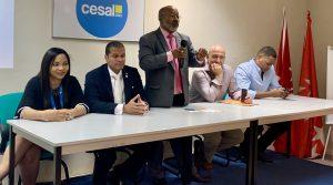 MADRID: Consulado RD realiza seminario educación y gestión financiera