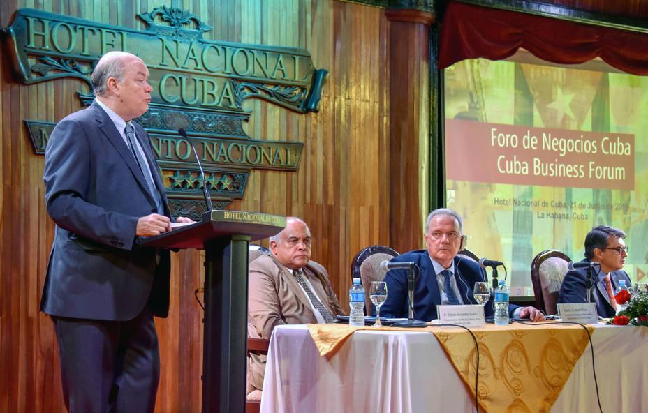 Cuba acoge foro sobre inversión extranjera