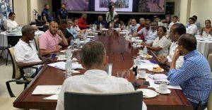 ADN envía buhoneros a Guayaquil a conocer orden mercados municipales
