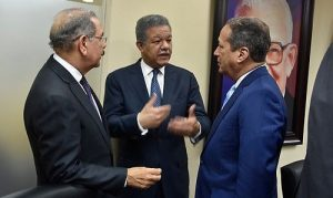 Reinaldo se reunió con Leonel, luego con Danilo; no revelaron lo tratado