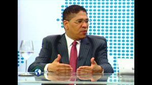 Economista dice reforma constitucional «viciada» desestabilizaría el país