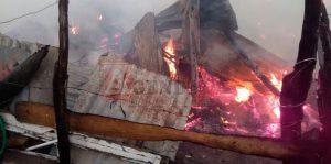 MAO: Incendio afecta 30 habitaciones donde residían 100 haitianos