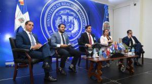 Citan desafíos de jóvenes dominicanos que deciden incursionar en política