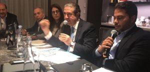 Ministro dominicano se reúne en NY con operadores de viajes; enfrenta campaña