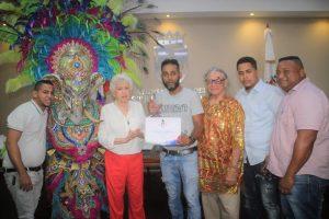 Premian comparsas ganadoras desfile de Carnaval Santo Domingo 2019