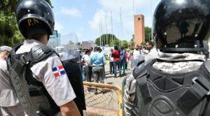 PN lanza bombas lacrimógenas médicos protestaban por examen único salud