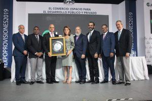 Inauguran Expo Provisiones 2019 con reconocimiento a familia Bonetti