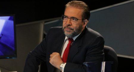 Propone volver a prohibir reelección y garantizar independencia altas cortes