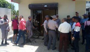 SANTIAGO: Mensajero es asesinado por tres que asaltaban una casa de cambio