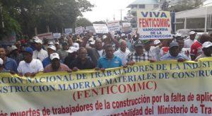 SANTIAGO: Trabajadores exigen seguridad en construcciones
