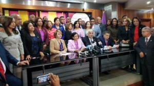 Diputados «danilistas» ven «provocación orquestada» los incidentes en Congreso