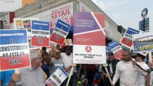 Dominicanos en EU expectantes ante posible proyecto reeleccionista