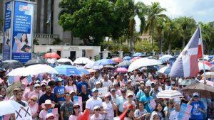 Cientos se manifiestan contra ideología de género y el matrimonio homosexual