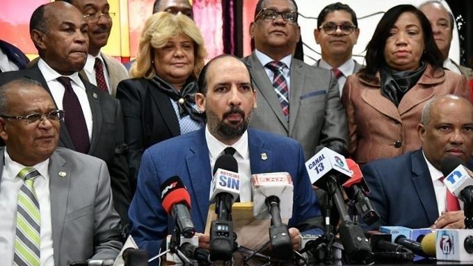 Diputados peledeistas leales a Leonel exigen desmilitarización del Congreso