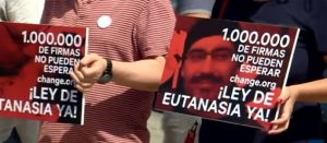 Llegan al Congreso español un millón de firmas a favor de la eutanasia