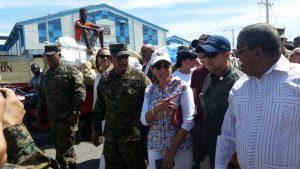 Embajadora de EEUU recorre frontera con altos mandos militares dominicanos
