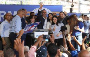 Políticos de R.Dominicana inician una precampaña hacia inéditas primarias