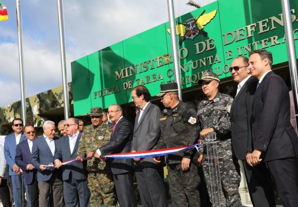 BARAHONA: Presidente Medina entrega un puesto de chequeo «interagencial»