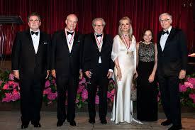 Presidente Scotiabank recibe Medalla de Oro de la America's Society