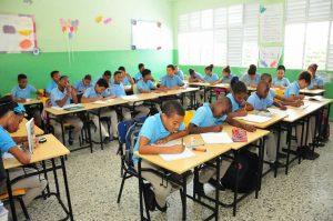 Minerd advierte está prohibido cobrar por inscripción en escuelas públicas