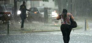 Onda tropical y una vaguada generarán aguaceros y posibles inundaciones RD