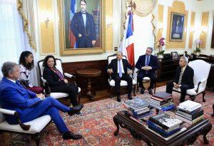 Presidente Danilo Medina recibe directora para el Caribe del Banco Mundial