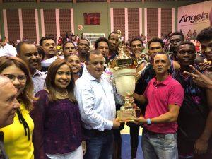 Club San Antonio campeón en basket superior de Mao