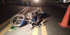 SFM: Choque auto y motocicleta deja dos muertos y cuatro heridos