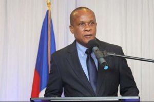 Gobierno Haití pagará deuda a las petroleras para evitar crisis