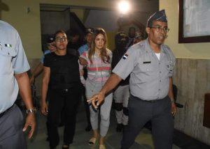 """Autoridades arrestan en SD a Marisol Franco, esposa de """"El Abusador"""""""