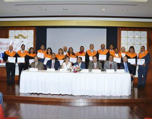 Entidades RD gradúan primer grupo en comercio exterior