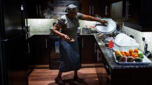 TORONTO: Altagracia Alvino, la cocinera de las Grandes Ligas